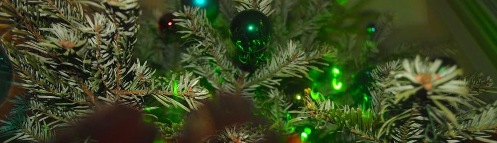 sharif-christmas-tree-1000x288